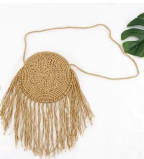 手編みのナチュラル女性に大人気の丸型バック イエローオーカー色