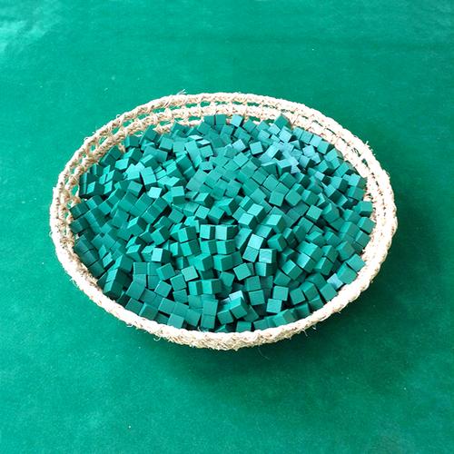 緑10mm木製キューブ(約1000個)