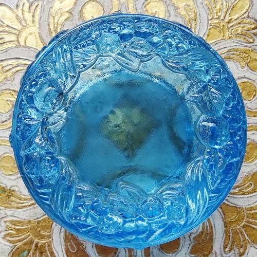 チェコスロバキア ボヘミアガラスのジュエリーポット  / ライトブルー