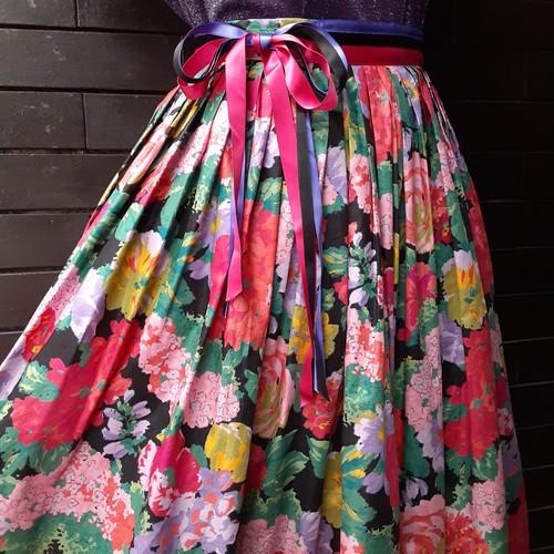 Made in Europe Flower pattern Tyrolean skirt ヨーロッパ製花柄チロリアンスカート