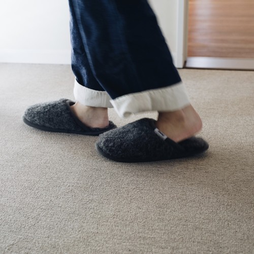 WOOL SLIPPER / DON'T SLEEP