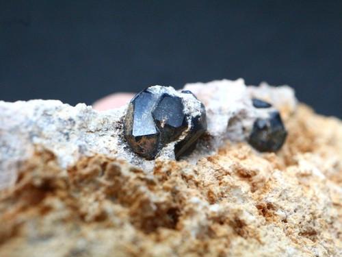 アンドラダイト ガーネット 62,2g AND045 原石 鉱物 天然石 パワーストーン