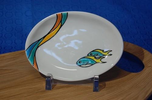 楕円小皿 ウメイロモドキ