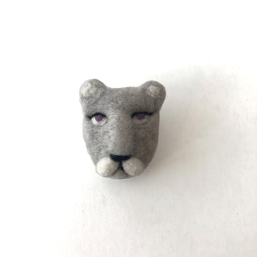 [羊毛フェルト] ライオン(メス) ブローチ