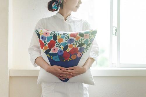 クッションカバー/Flower hug