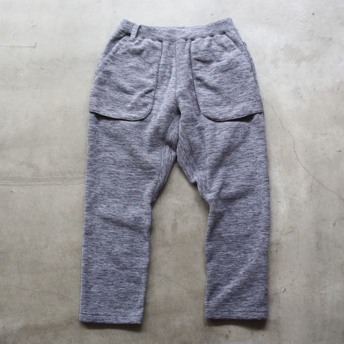 White Mountaineering PRIMALOFT FLEECE 8/10 LENGTH TAPERED PANTS