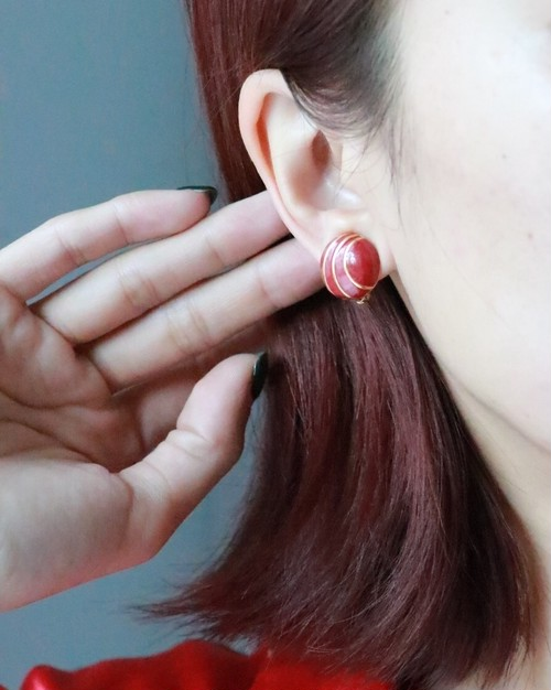 dead stock red round earrings