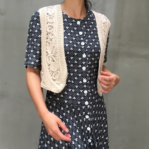 Vtg short crochet vest