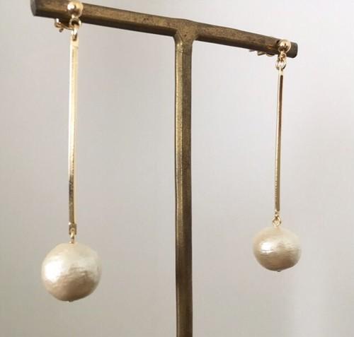 コットンパール×ゴールドスティックロングピアス