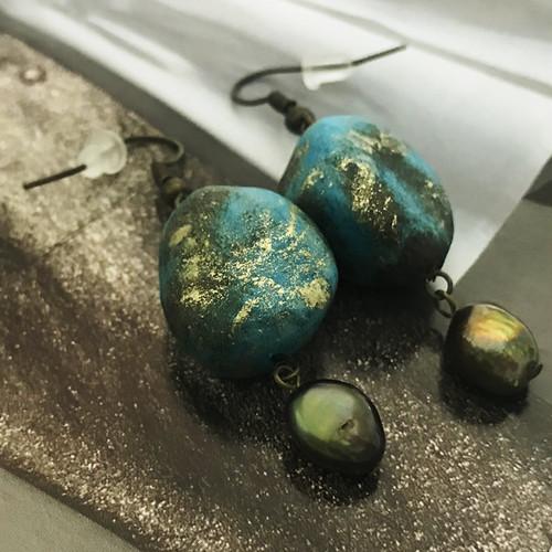 石をモチーフした和紙ピアス【礫】れき(瑠璃色)