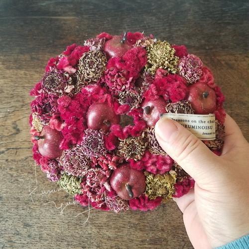紅いリース/りんご