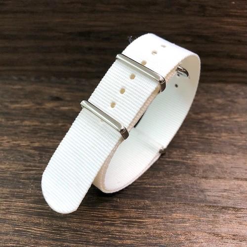 NATOタイプ ナイロンストラップ シルバー金具 ピュア・ホワイト 22mm 腕時計ベルト