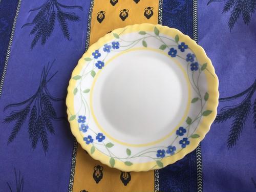 フランス アルコパル社 デザート皿 黄色地に青い小花