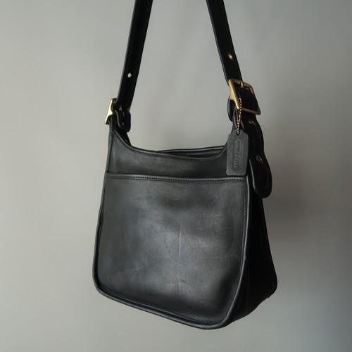 Old coach leathers shoulder bag / black