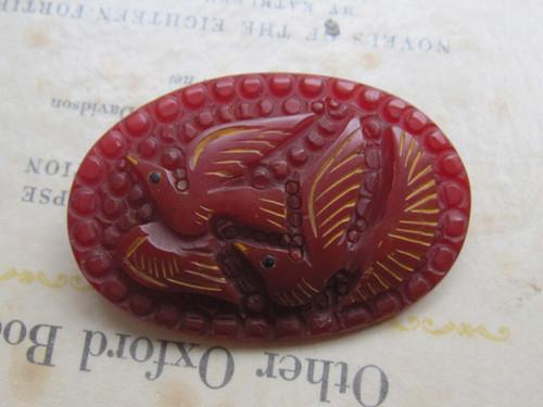 ヴィンテージブローチ*羽ばたく鳥*真っ赤なベークライト1920~50's