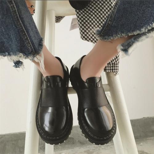 レディース 革靴 ラウンドトゥ フロントゴア ローヒール 合皮 革 履きやすい 黒 ブラック おしゃれ 韓国