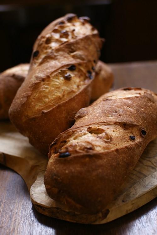 クルミとレーズン入り自家製パン(1個)※要予約商品