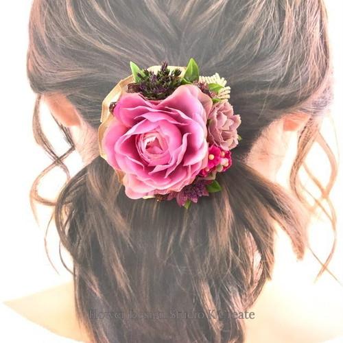ピンクのラナンキュラスとペーパーフラワーのヘアゴム お花 ヘアゴム 髪飾り パール お出掛け ヘアアクセサリー