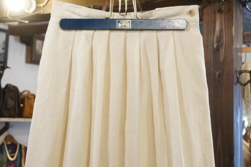 80-90's ivory corduroy long Skirt