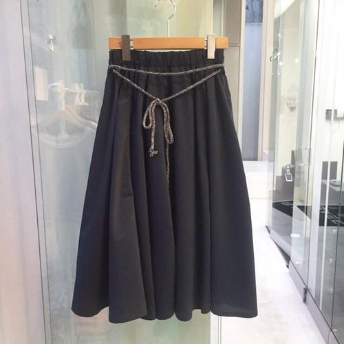 デザインスプリングネイビースカート