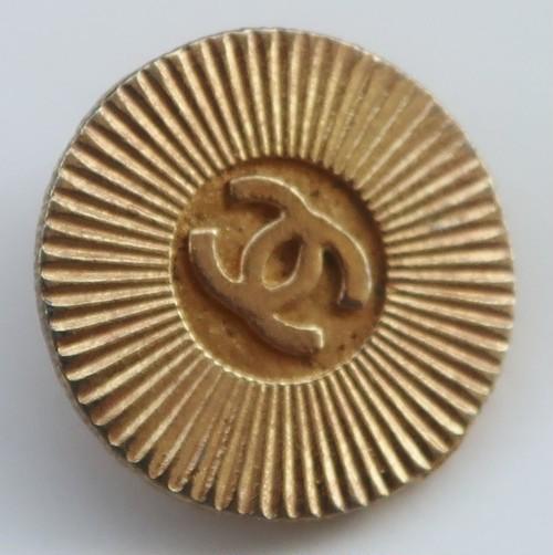 CHANEL VINTAGE(シャネル ヴィンテージ)COCOマーク デザイン  ボタン ゴールド 610
