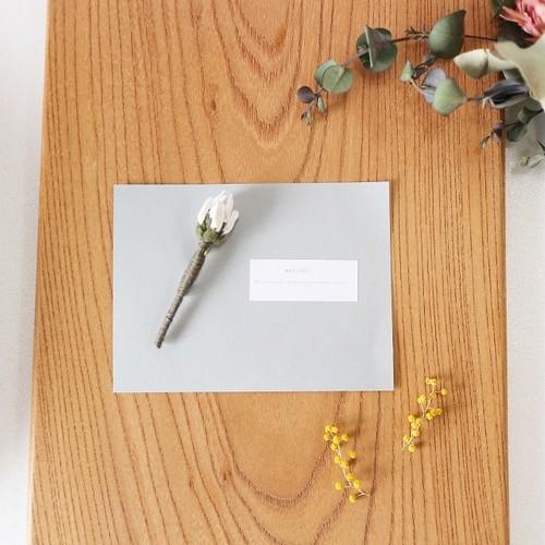一輪の花のブローチ