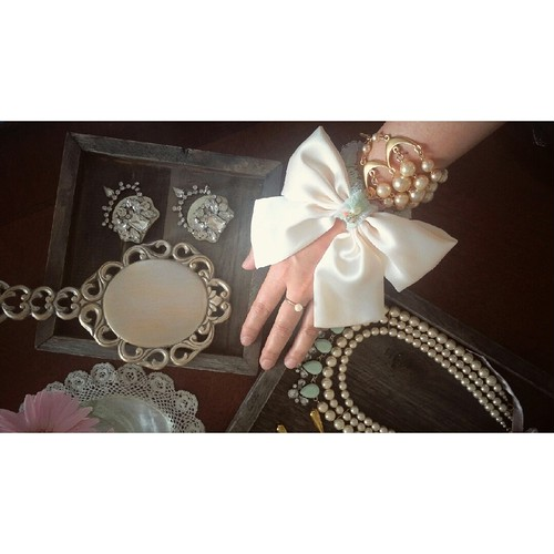 Ribbon ChouChoulet by biba & pippi × violet bouquet