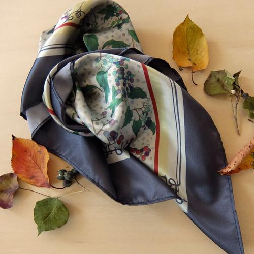 野ぶどうのスカーフ