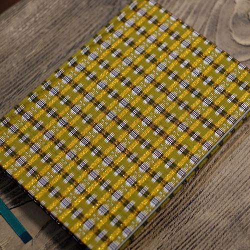 無地 ミャンマー製 シルク伝統柄ゴールド A6Colorisノート ポータブルサイズ