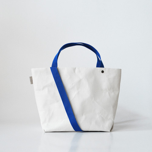 【N/no × E/zel.】SOME WAY LIGHT TOTE BAG (S+)_PP/BLUE