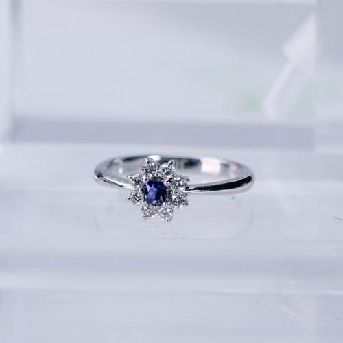 サファイヤリング メレダイヤモンド取り巻きデザイン Pt900