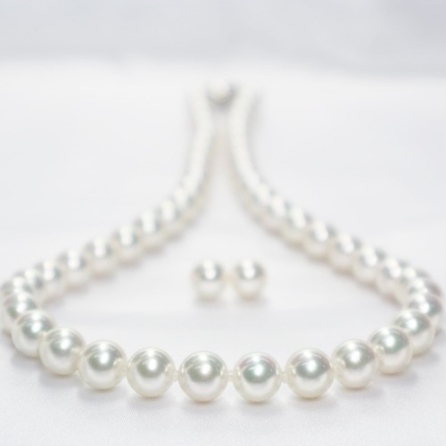 8.0mm〜8.5mmオーロラ花珠アコヤパールネックレス+ピアスorイヤリングセット(鑑別鑑定書付:S−578929)