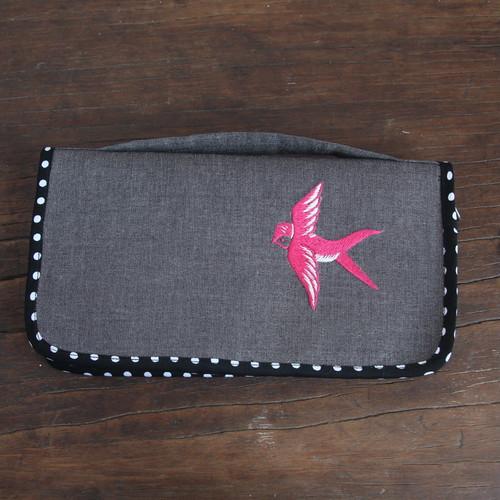 パスポートケース/グレーにピンクのツバメ刺繍   NO. 041