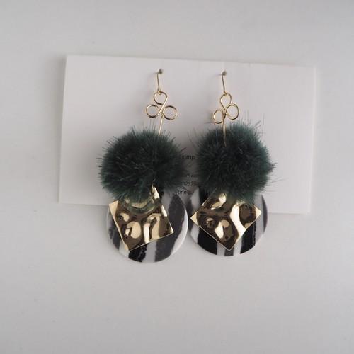 22.Mink fur design pierce