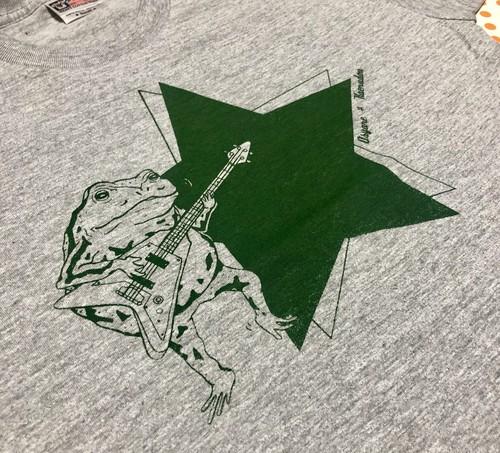 ベース弾きガエルTシャツ