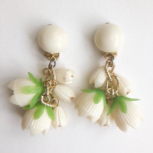 cream  flower earring[e-1177]