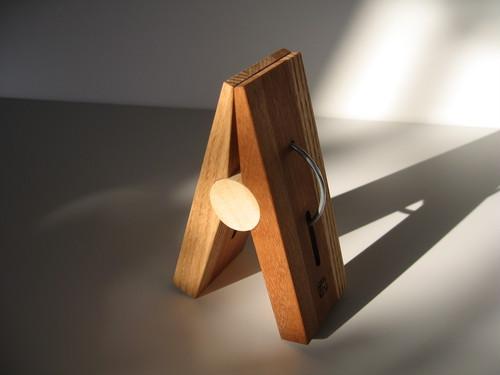 木のセンタクバザミ(大)big wood clip