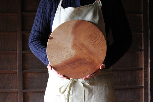 wooden serving board (big round)