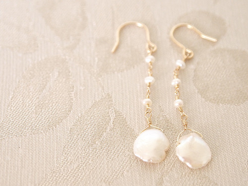 14KGF Petal Pearl Earrings