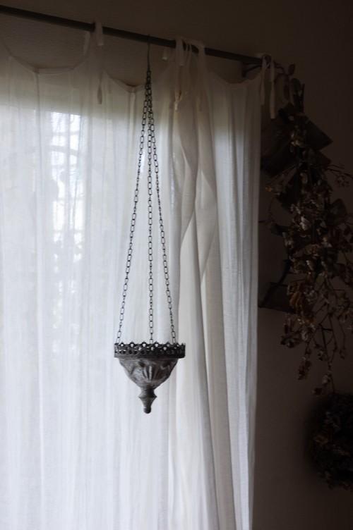 ブリキの吊り鉢