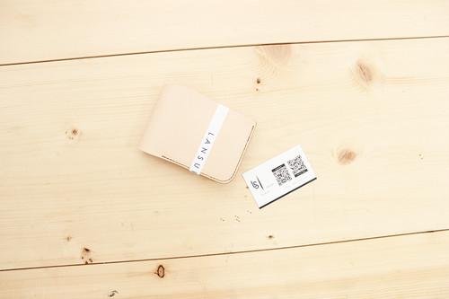 JAPAN LANSUI DESIGN 名入れ対応 ヌメ革手作り手縫い 二つ折り財布 コイン入れ付き横 品番JDNNGI9DD454DG