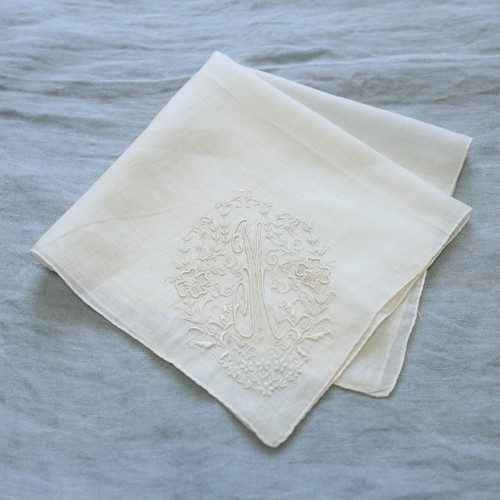 Vintage Embroidered Handkerchief 005・ヴィンテージ 刺繍ハンカチ 005 イニシャル M U.S.A