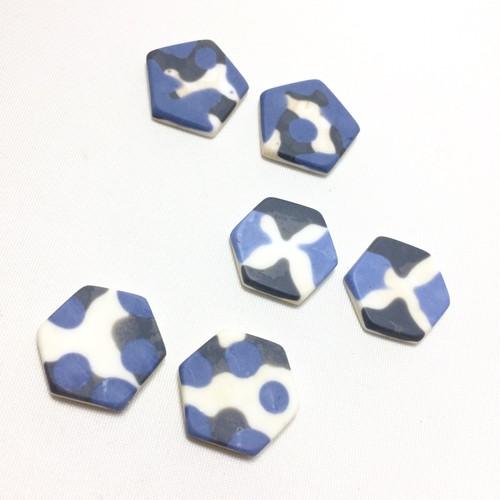 青x黒xベージュのイヤリング(ピアス)