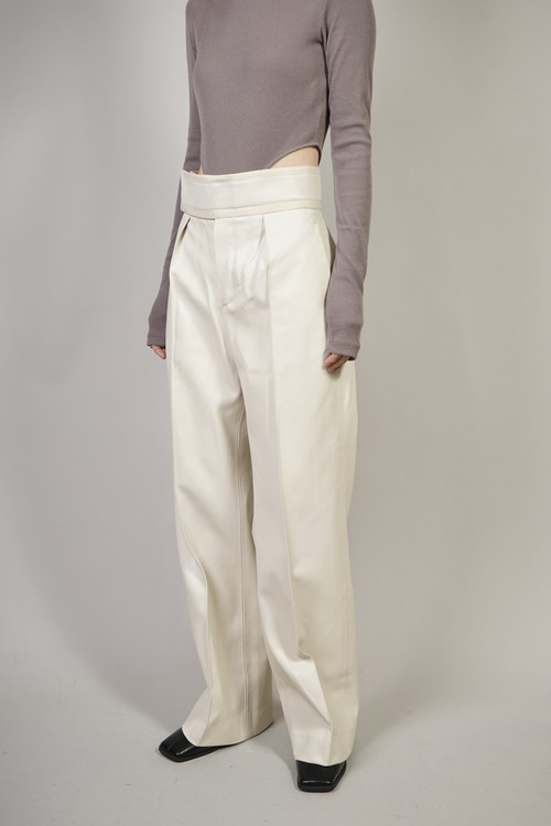 SUEDE  PIPING  FAUX LEATHER PANTS (WHITE) 2101-25-55