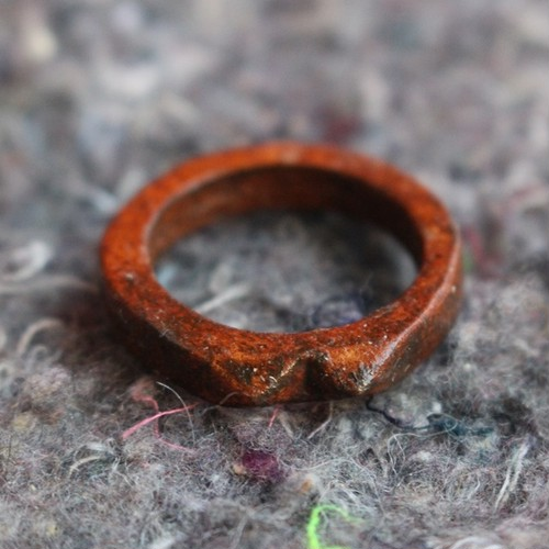 Leaher Pyramid △△ Ring Brown
