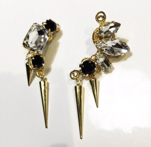 Black strong gold ピアス