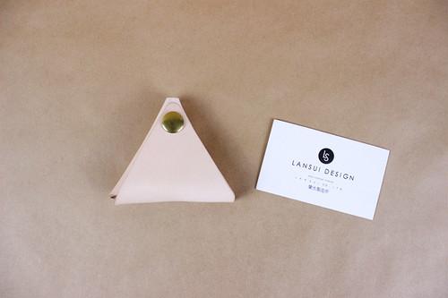 JAPAN LANSUI DESIGN 名入れ対応 ヌメ革手作り 三角小銭入れ 品番1929DJ88F