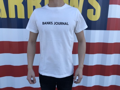 BANKS JOURNAL Tシャツ (off-white)