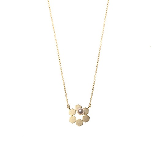 Geometric Necklace - Pearl On Honey Comb