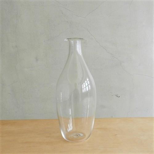 qualia-glassworks vase curved